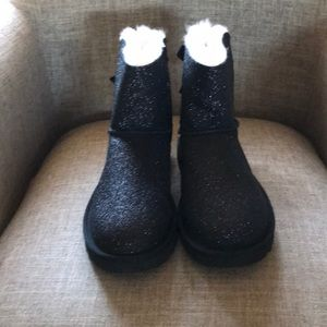 Black size 7 with sparkles Boots UGG